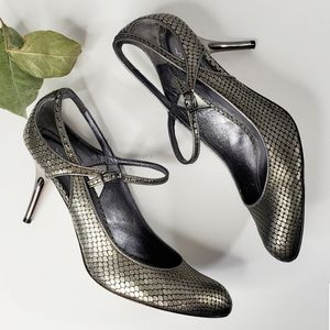 Via Spiga Silver Metallic Round Toe Heels